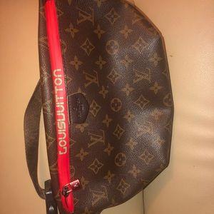 Louis Vuitton fanny